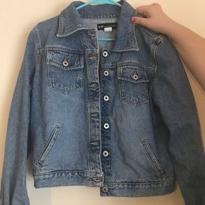 Light denim jacket, good as new